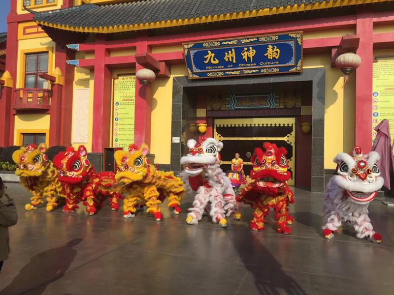 柳州旅游区醒狮助兴