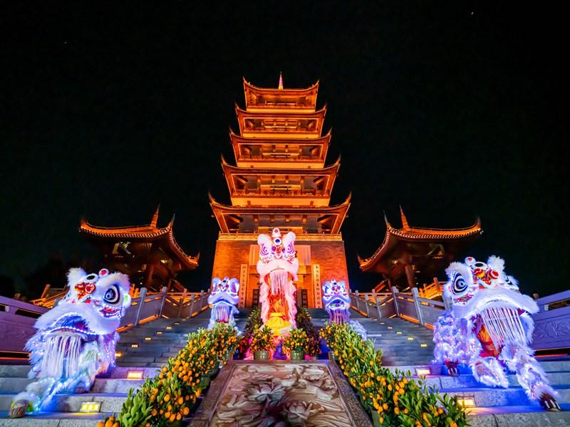 桂林春节名胜古迹醒狮表演